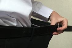 ズボンのベルトの穴が1つ小さくなった